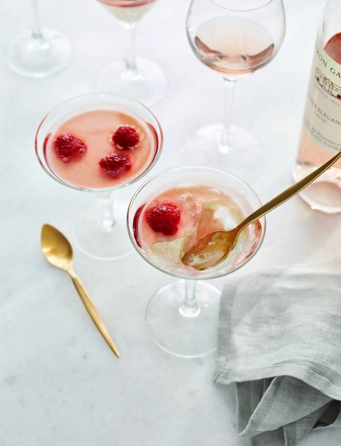 Recipe: Panna cotta with raspberry rosé jelly