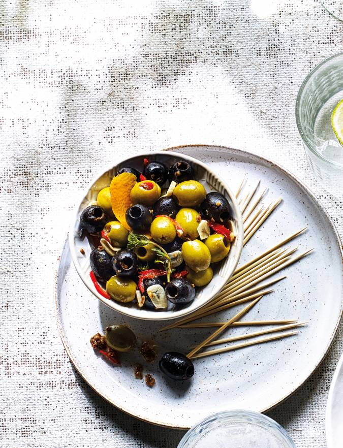 Recipe: Aromatic warm olives
