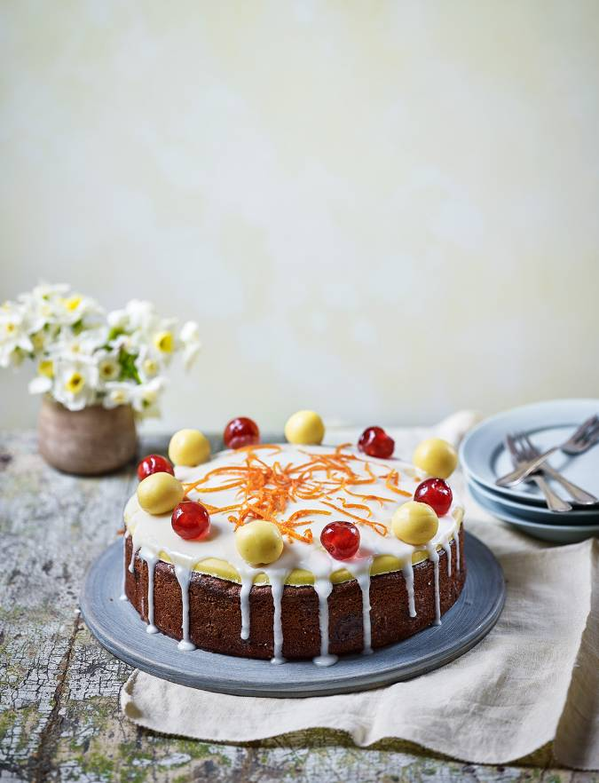 Recipe: Cherry and almond Easter cake