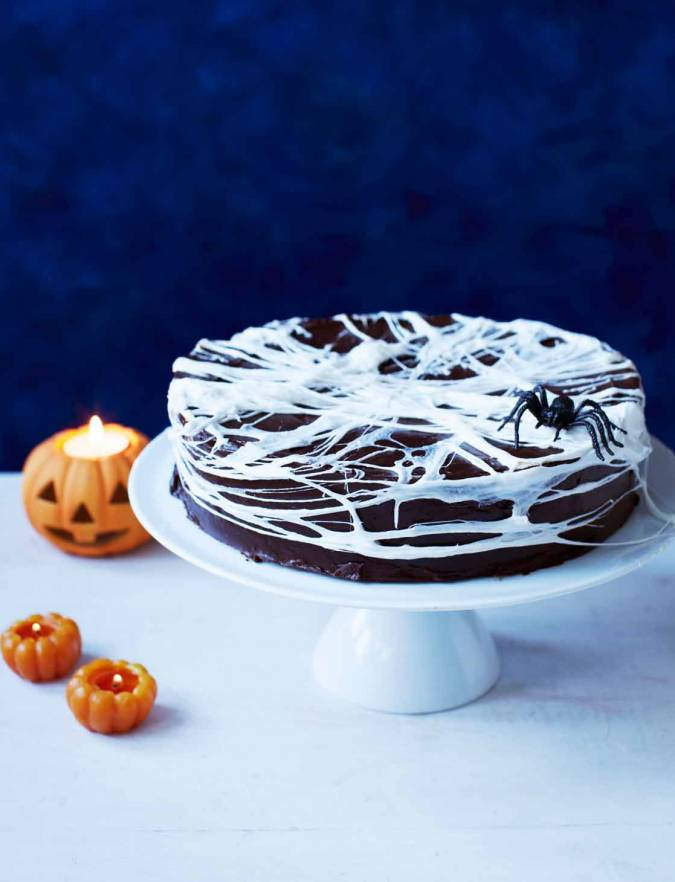 Recipe: Chocolate spider web cake
