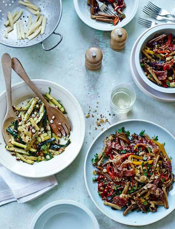 Recipe: Pasta with Parma ham, agrodolce peppers and pangrattato