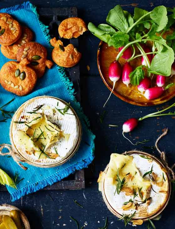 Recipe: Baked Camembert with pumpkin dippers and crudités