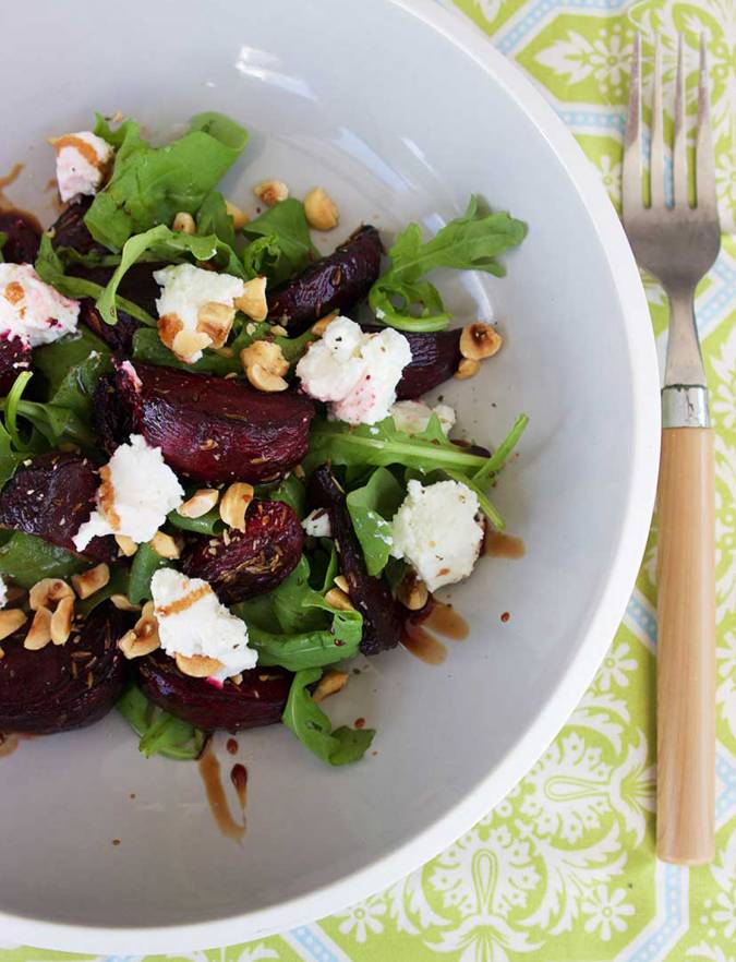Recipe: Salad of roasted beetroot, goat's cheese and hazelnuts on wild rocket