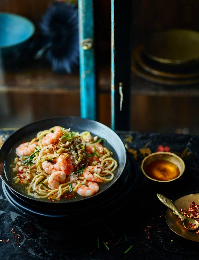 Recipe: Noodles with chicken and prawns