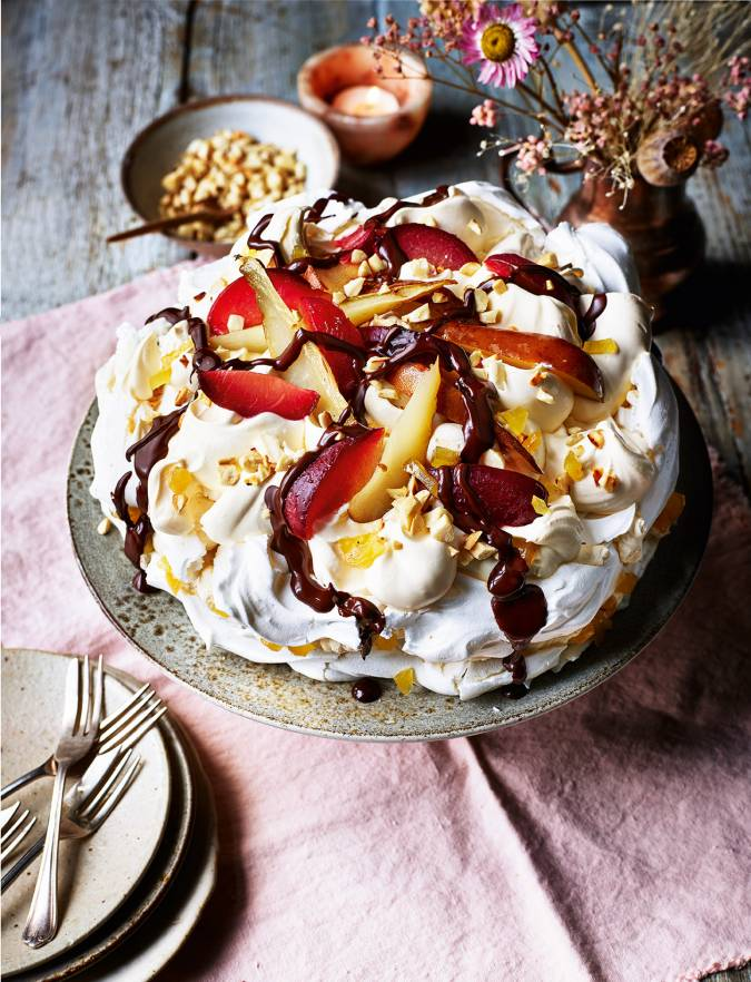 Recipe: Roasted fruit meringue with ginger and chocolate