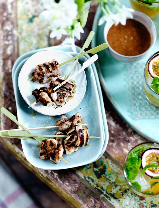 Recipe: Fragrant chicken skewers with almond dipping sauce