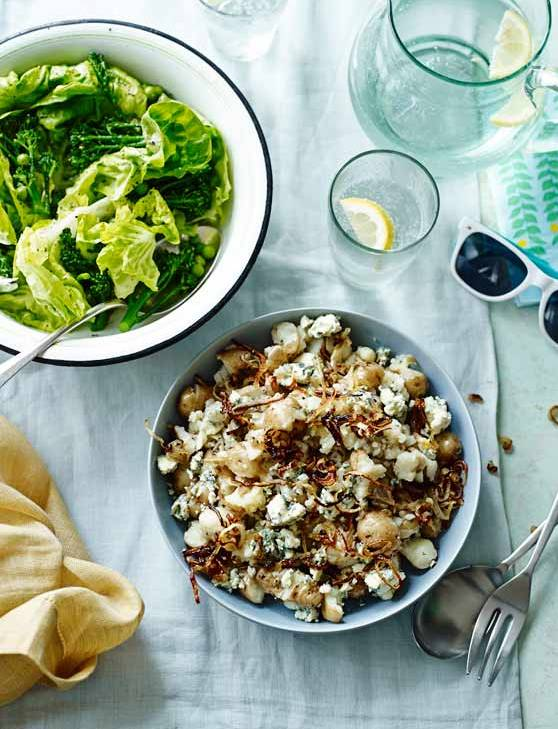 Recipe: Smashed Anya, blue cheese and crispy shallot salad