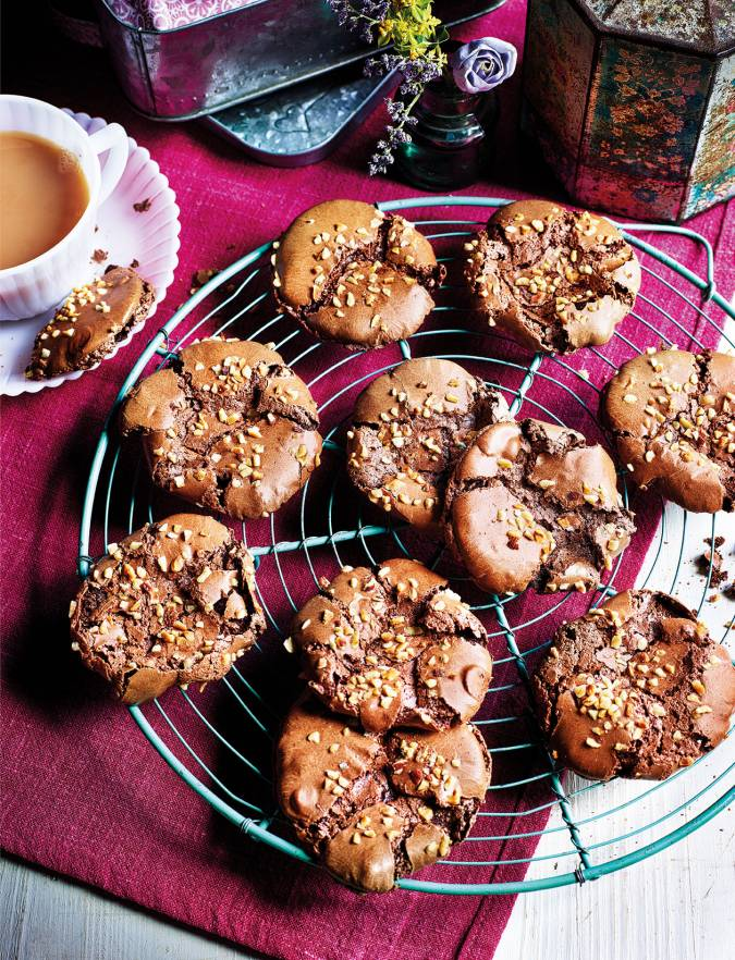 Recipe: Chocolate-hazelnut 'meringue' cookies