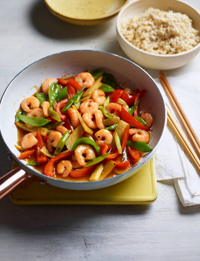 Recipe: Sizzling garlic prawn stir-fry