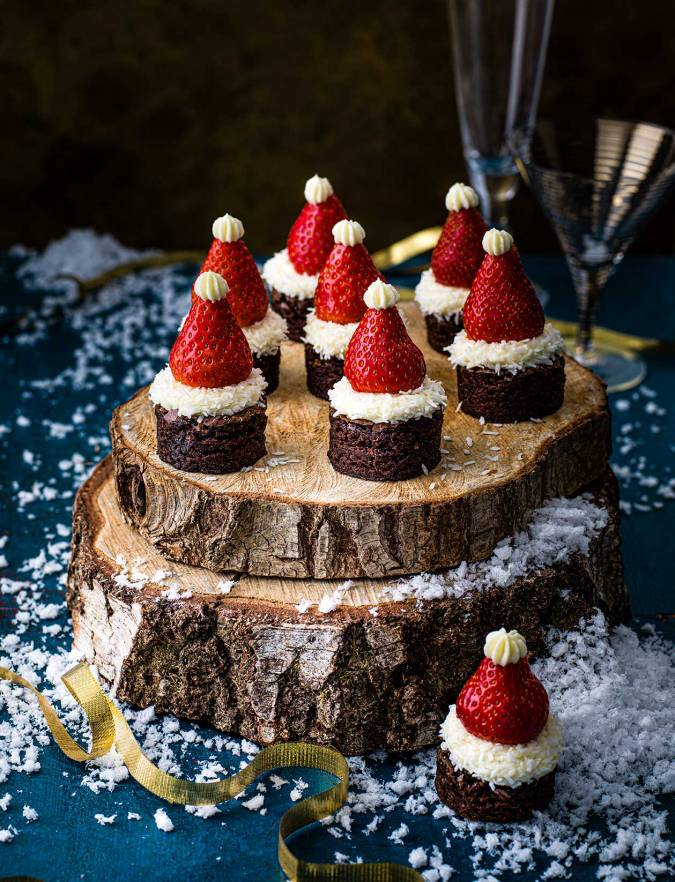 Recipe: Santa hat brownie bites