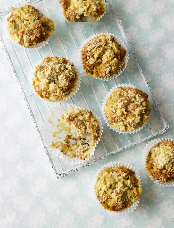Recipe: Pear, blue cheese and walnut muffins