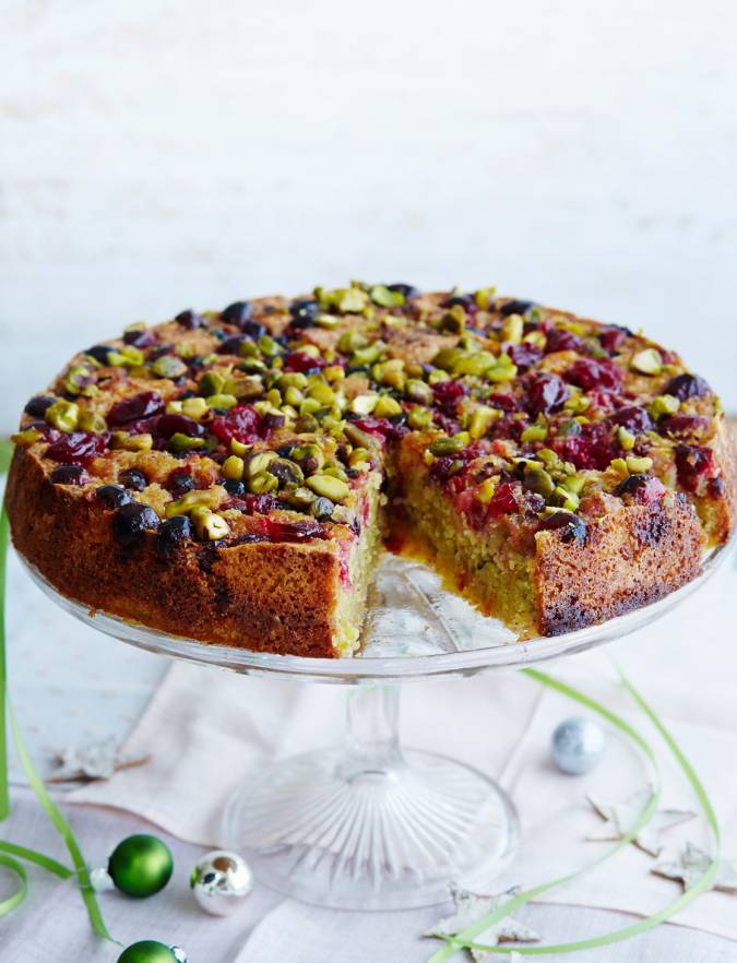 Recipe: Pistachio and almond cake with cranberries