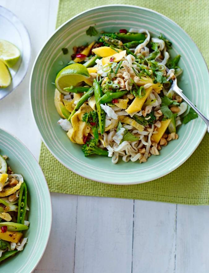 Recipe: Pad Thai noodles with mango and crab