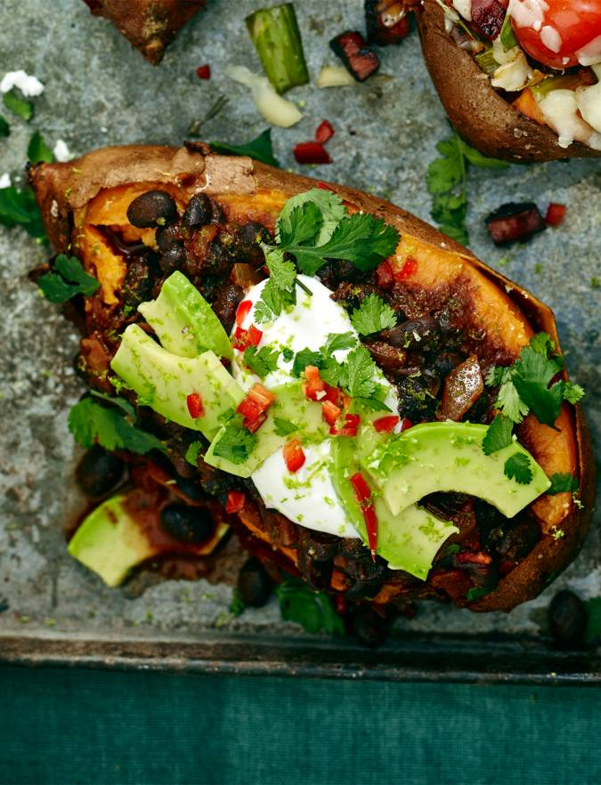 Recipe: Baked sweet potato with easy black bean chilli
