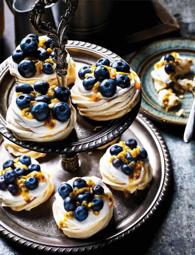 Recipe: Maple meringues with coconut & berries