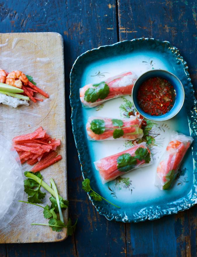Recipe: Fruity prawn summer rolls