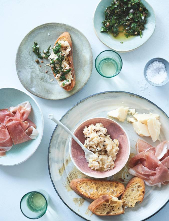 Recipe: Crostini with white beans and salsa verde