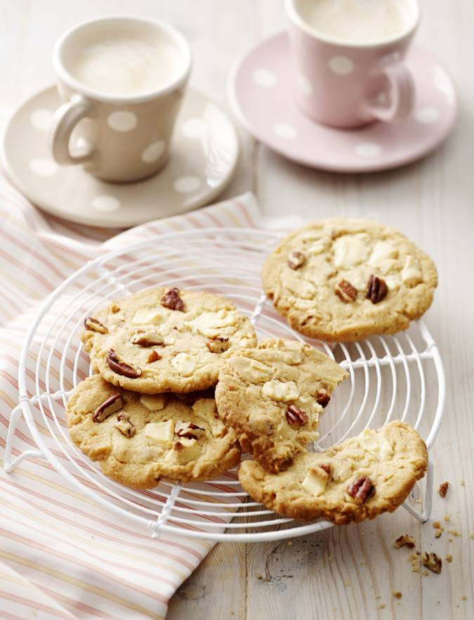 Recipe: White chocolate and pecan cookies