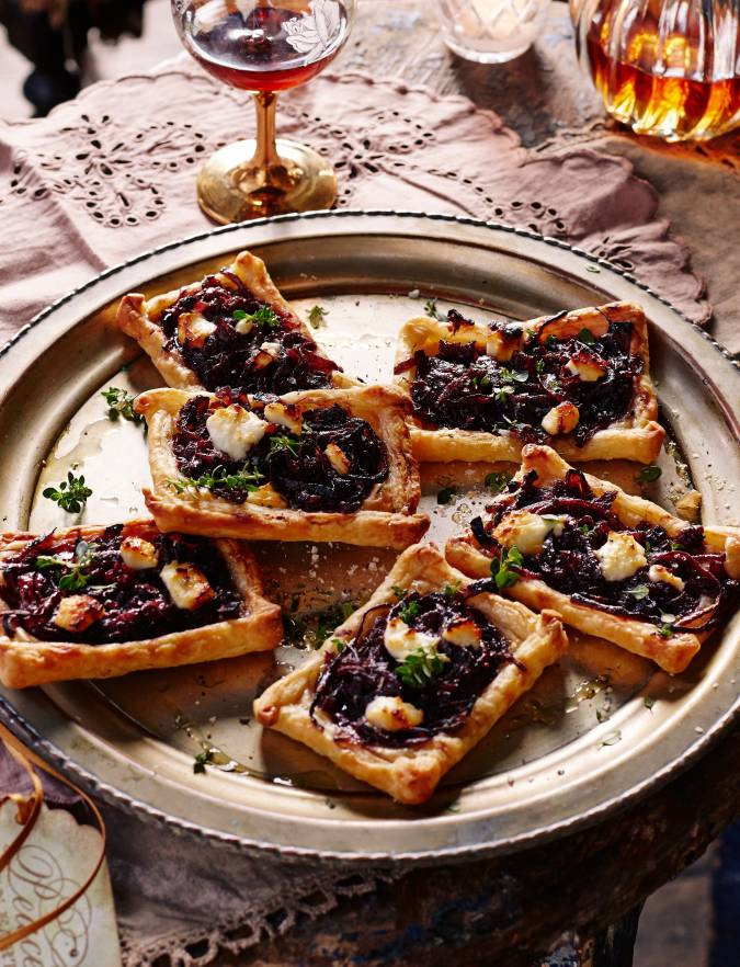 Recipe: Red wine onion tarts with goats' cheese