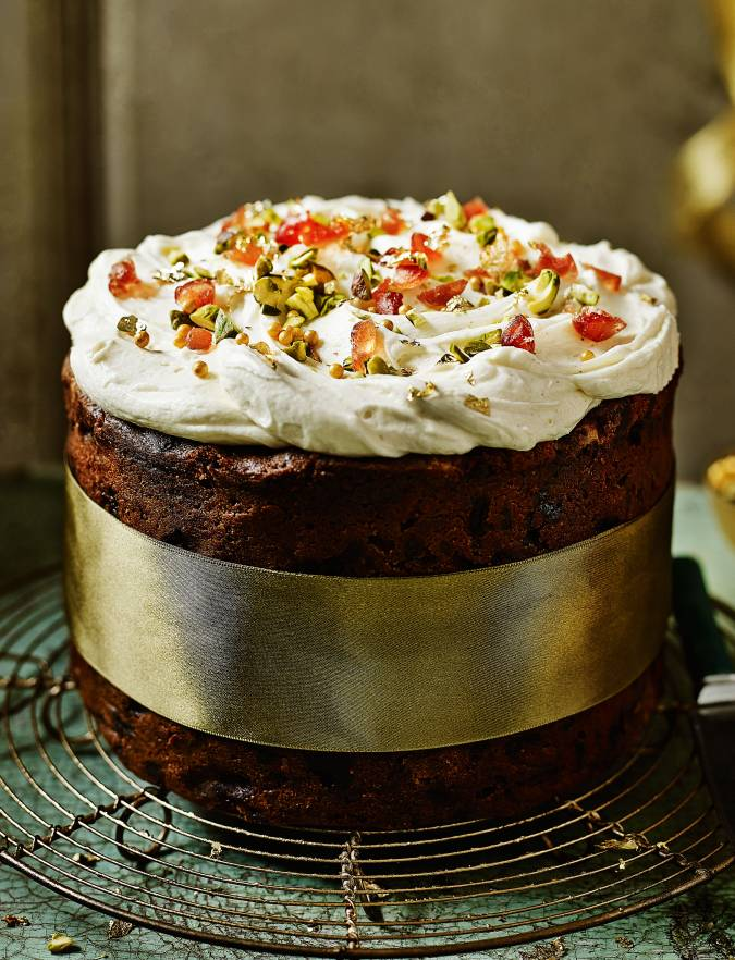 Recipe: Decoration idea: Naked Christmas cake
