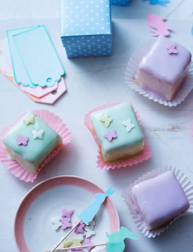 Recipe: Lemon and almond fondant fancies
