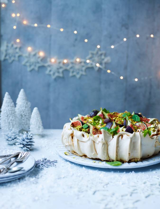 Recipe: Fig, pistachio, and cinnamon pavlova
