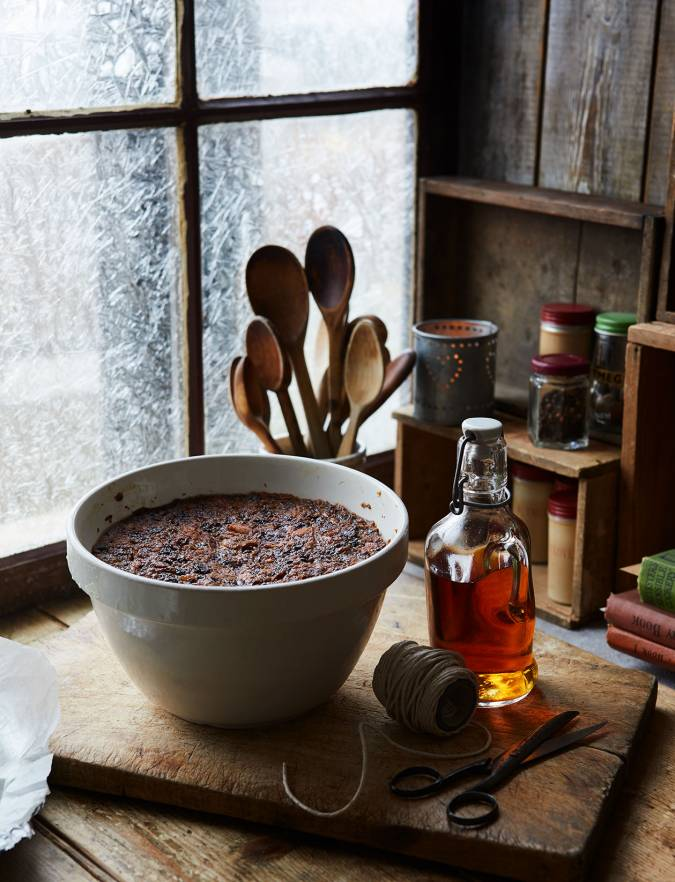 Recipe: Sticky gingerbread spiced Christmas pudding