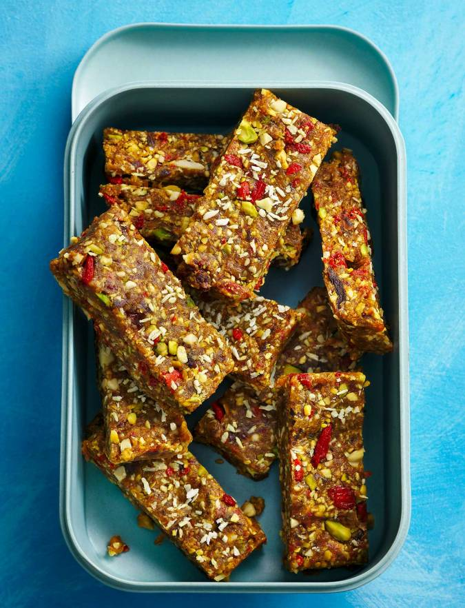 Recipe: No-bake pistachio and goji berry cookie bars