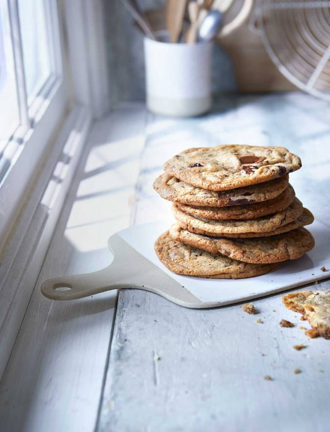 Recipe: Loaded salted caramel and chocolate chip cookies