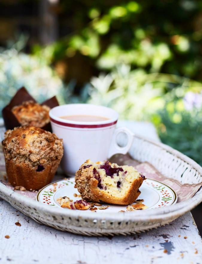 Recipe: Cherry and lemon muffins with muesli crumble