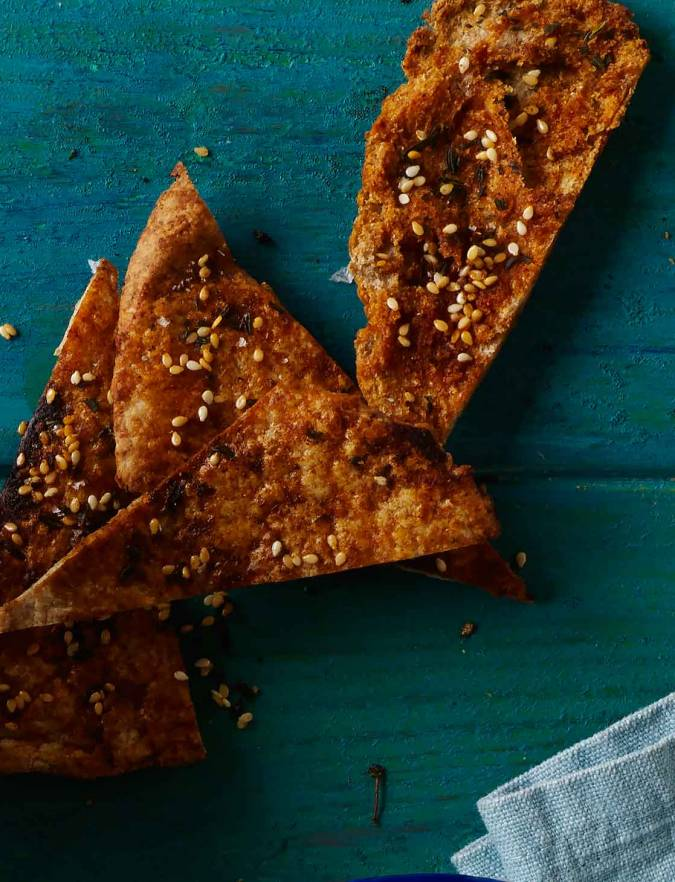 Recipe: Pitta crisps with paprika, thyme and sesame