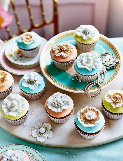 Recipe: Crown jewels cupcakes