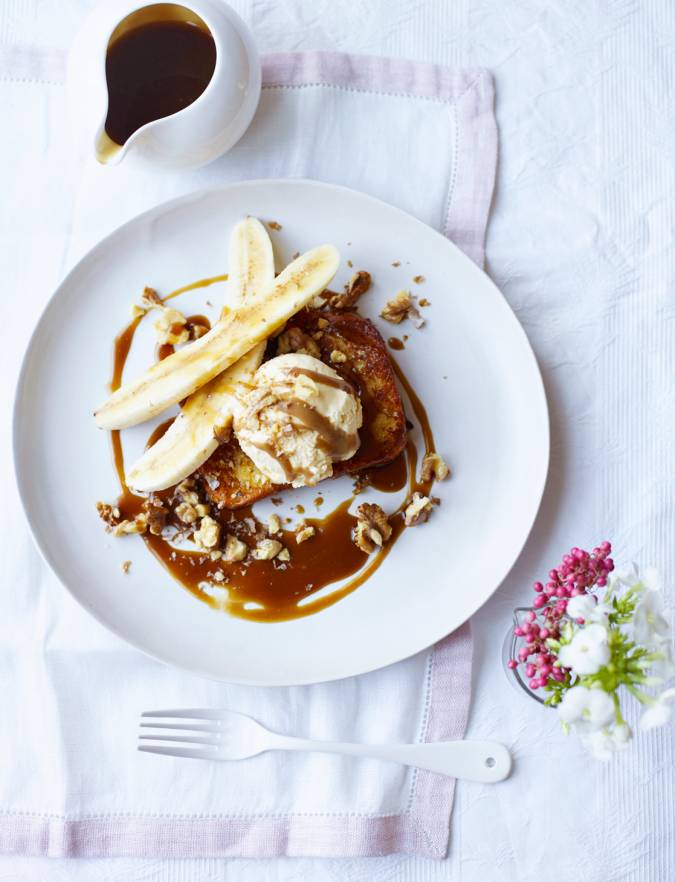 Recipe: French toast with vanilla bean ice cream, toffee sauce and bananas