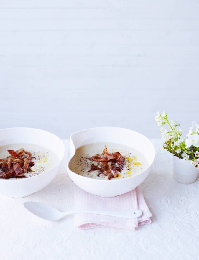 Recipe: White bean soup with candied vanilla bacon