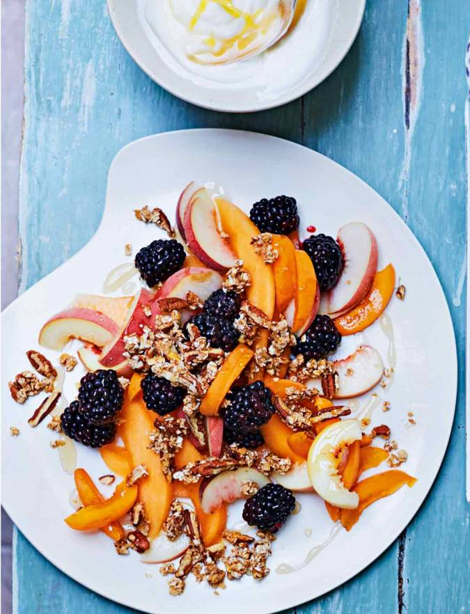 Recipe: Breakfast fruit salad with pecan granola