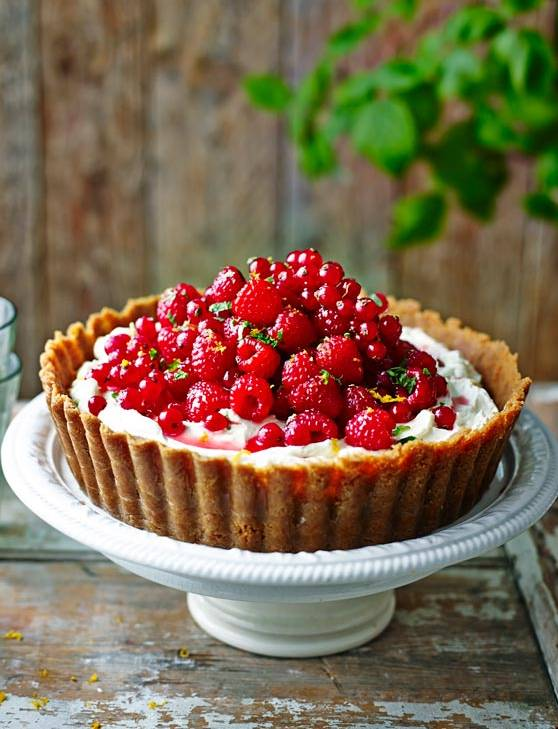 Recipe: Pile-it-high raspberry and redcurrant cheesecake tart