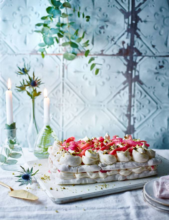 Recipe: Pistachio and rhubarb meringue cake