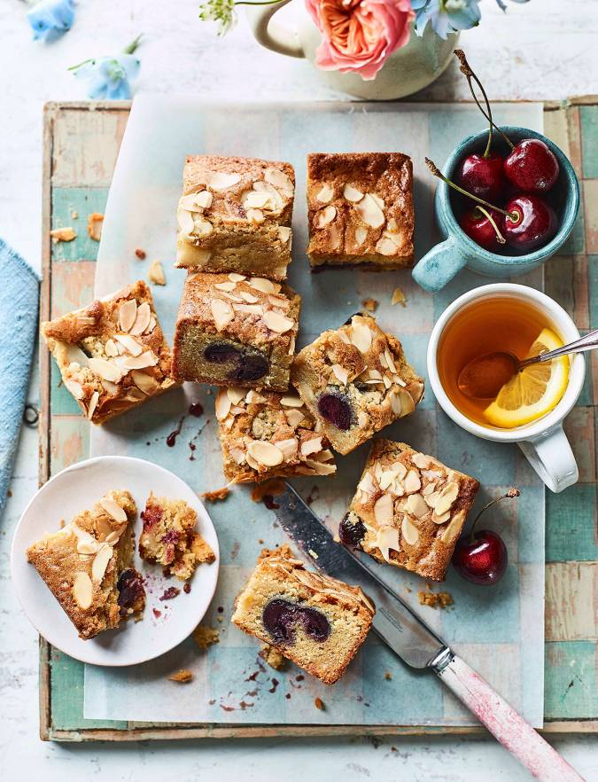 Recipe: Cherry Bakewell blondies