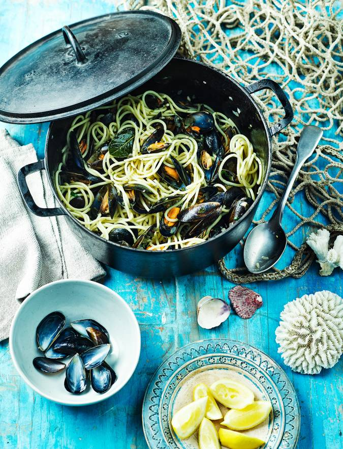 Recipe: Spaghetti with mussels, bay and chilli