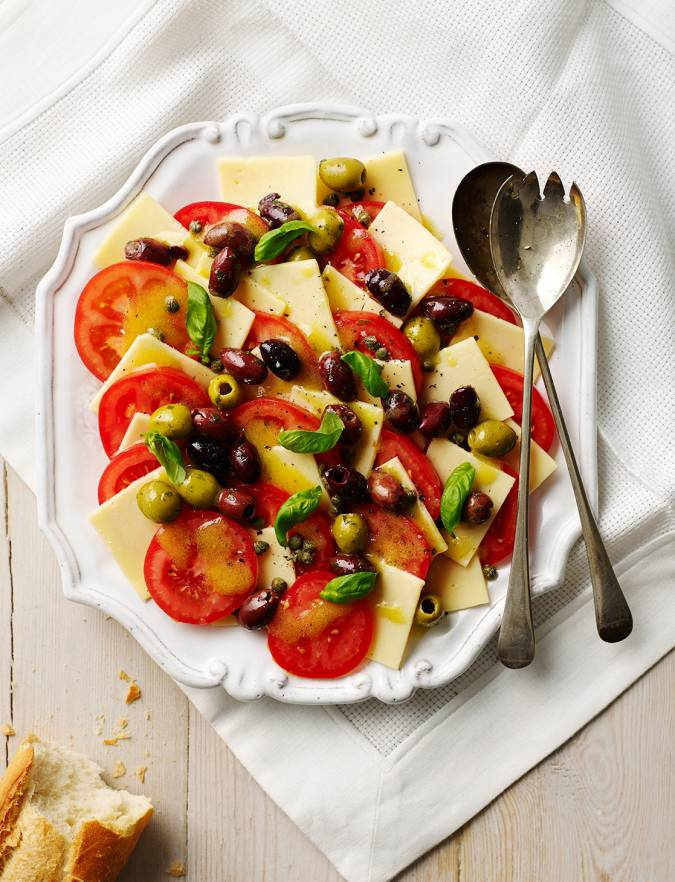 Recipe: Cheese and tomato salad platter