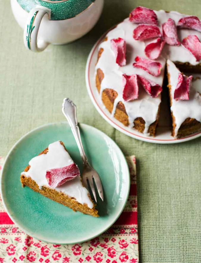 Recipe: Carrot tea cake with vanilla icing