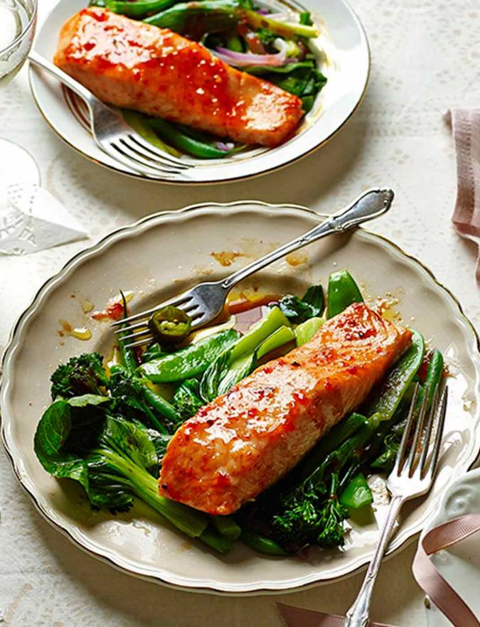Recipe: Sweet chilli salmon parcels