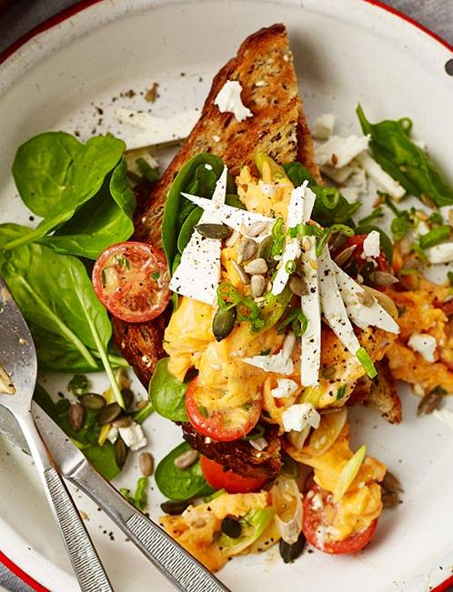 Recipe: Scrambled eggs with feta and spinach