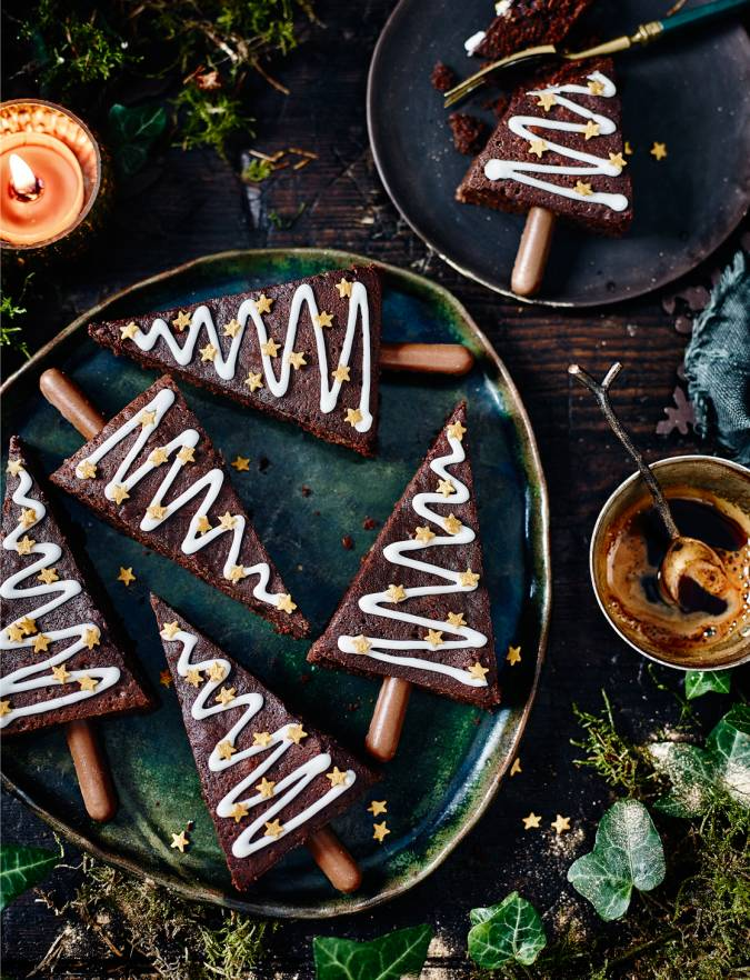 Recipe: Spiced Christmas tree brownies
