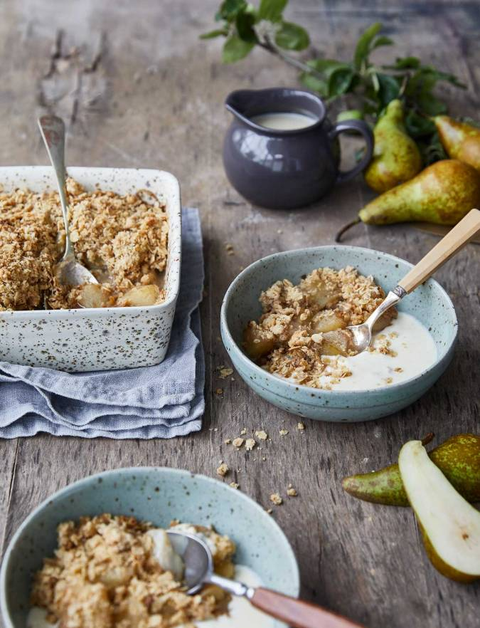 Recipe: Spiced pear cider crumble