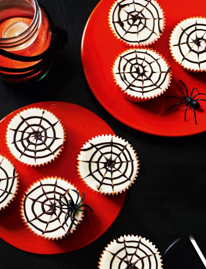 Recipe: Lemon cheesecake spider webs