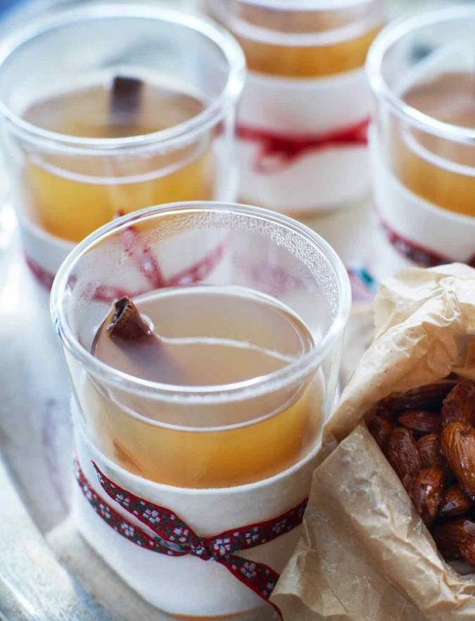 Recipe: Mulled apple and Calvados warmer