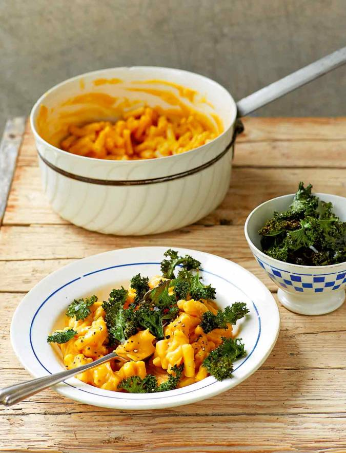 Recipe: Vegan macaro-no-cheese with crispy kale