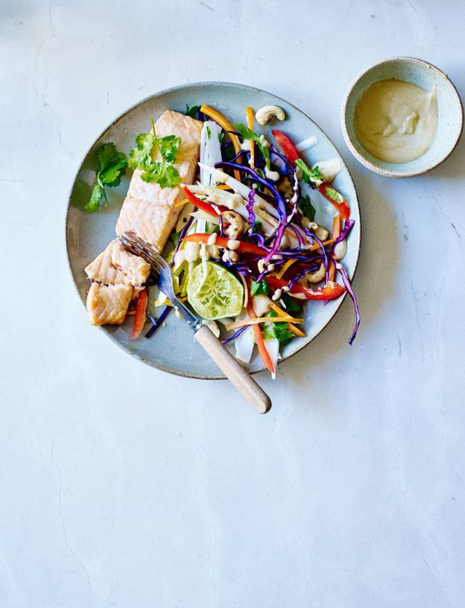 Recipe: Salmon fillet with Asian slaw