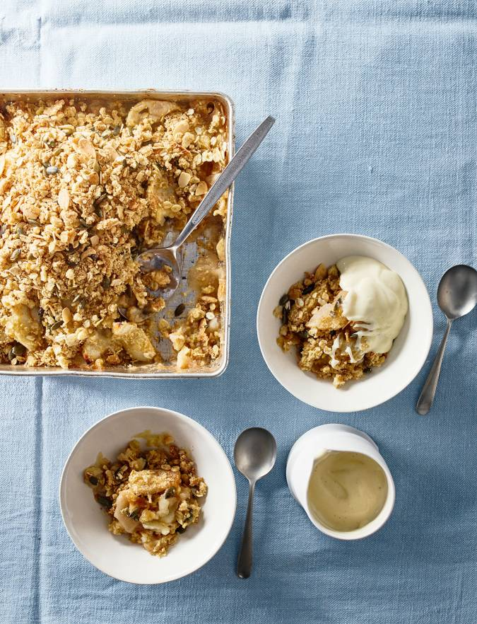 Recipe: Apple and almond crumble